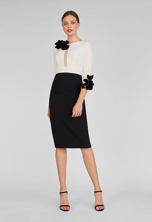 vestido corto ´María Lago petalos hombro y puno