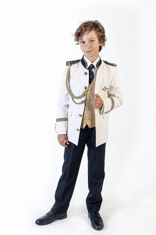 Producto: Traje almirante con chaqueta blanca y dorada