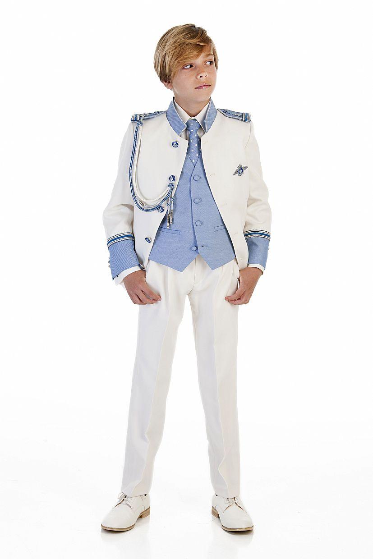 Producto: Traje almirante blanco cuello mao