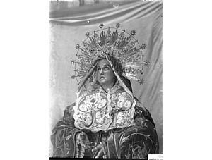 """""""Sánchez Lozano termina una Virgen Dolorosa, copia de Salzillo""""."""