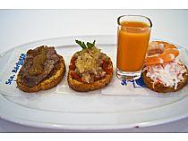 Café-Bar Santa Bárbara<br> Pintxos<br> C/ Santa Bárbara, 33<br> * Cerrado: Domingo
