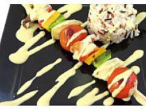 Hamburguesería Tara<br> Rocheta de pollo con timbal de arroz al toque de mostaza y miel<br> C/ Santa Bárbara, 21<br> *Cerrado: Lunes y domingo