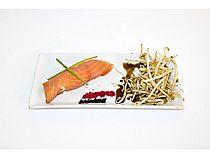 Bar La Sociedad (Casino)<br>Delicias de salmón con pulpo<br>C/ Vidal Abarca, 2<br>*Cerrado: Martes