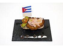 Restaurante-Bar La Cruz<br>Velero cubano<br>C/ La Monja, 89<br>*Cerrado: Jueves