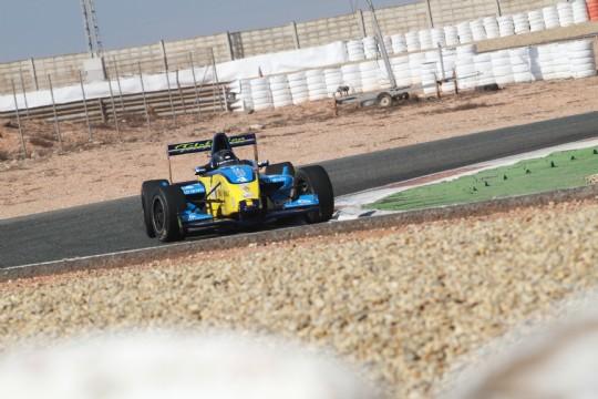 Emerson Fittipaldi Jr. prueba el monoplaza del Campeonato Fórmula Academy FARMU