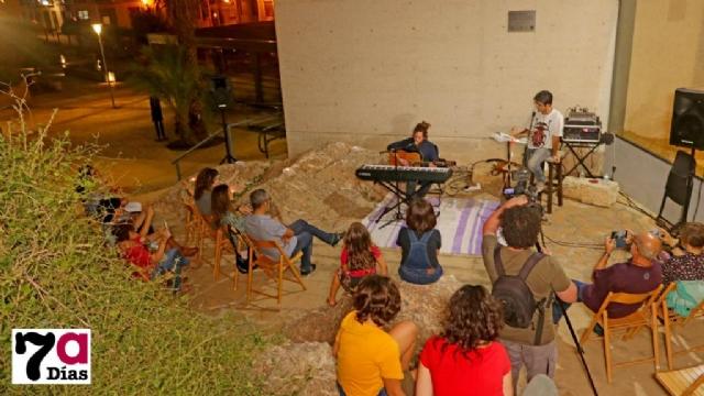 Poesía y música a la luz de las velas en Los Baños