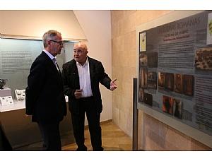 El ministro de Cultura visita el Museo Arqueológico Los Baños