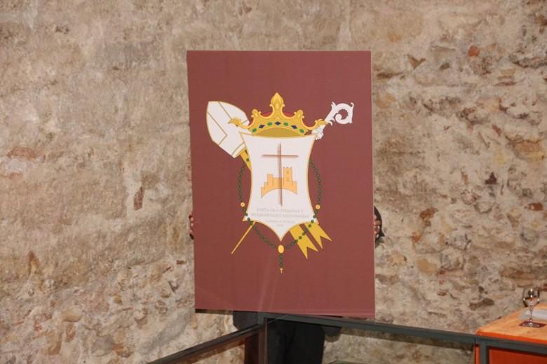 La Junta de Cofradías presenta su nuevo emblema